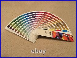 Pantone Formula Guides Solid Coated & Uncoated 4-Color Process, Solid to Process